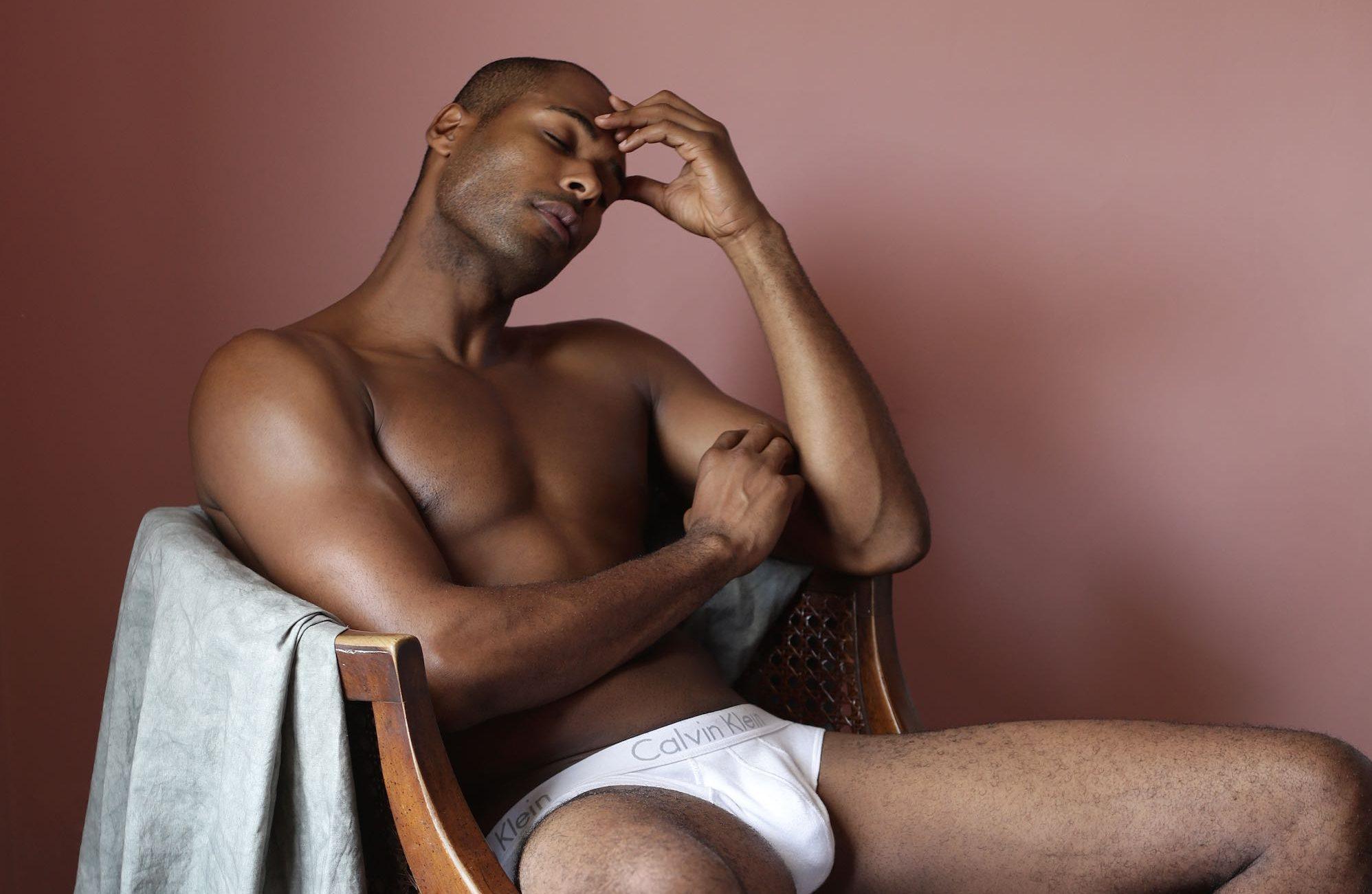 Luke Austin'in Kitabı 'LÉWÀ', Siyahi Erkeklerin Tatlı Yumuşaklığını Yakalıyor