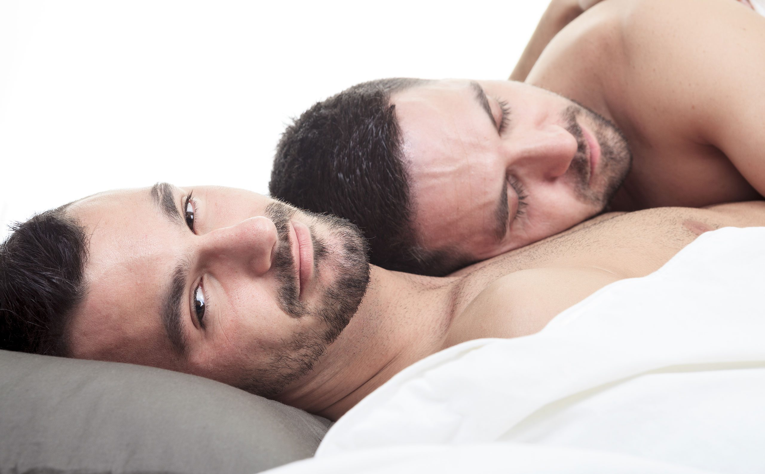 Eşcinsel Erkeklerin Ne Kadarının Partnerlerini Aldattığı Ortaya Çıktı!