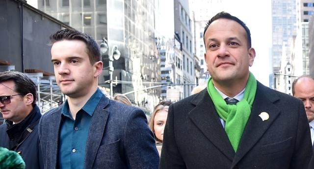 İrlanda Başbakanı Varadkar, New York'taki St. Patrick Günü Yürüyüşüne Sevgilisiyle Birlikte Katıldı