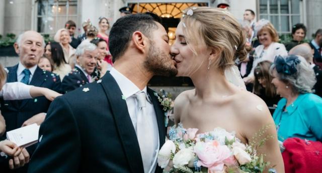 Britanya'nın En Yüksek Rütbeli Transseksüel Askeri, Rüya Gibi Bir Düğünle Evlendi