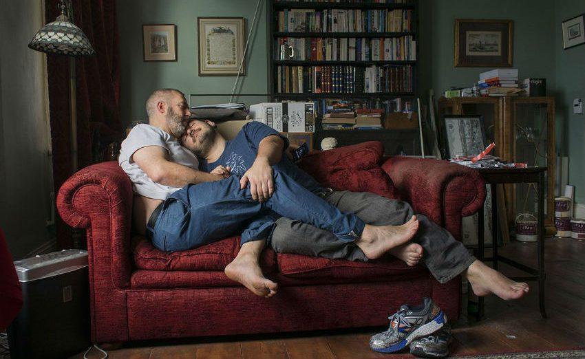 Fotoğraf Yarışmasını Kazanan Eşcinsel Çift, Londra'daki 50 Billboard'da Görünecek