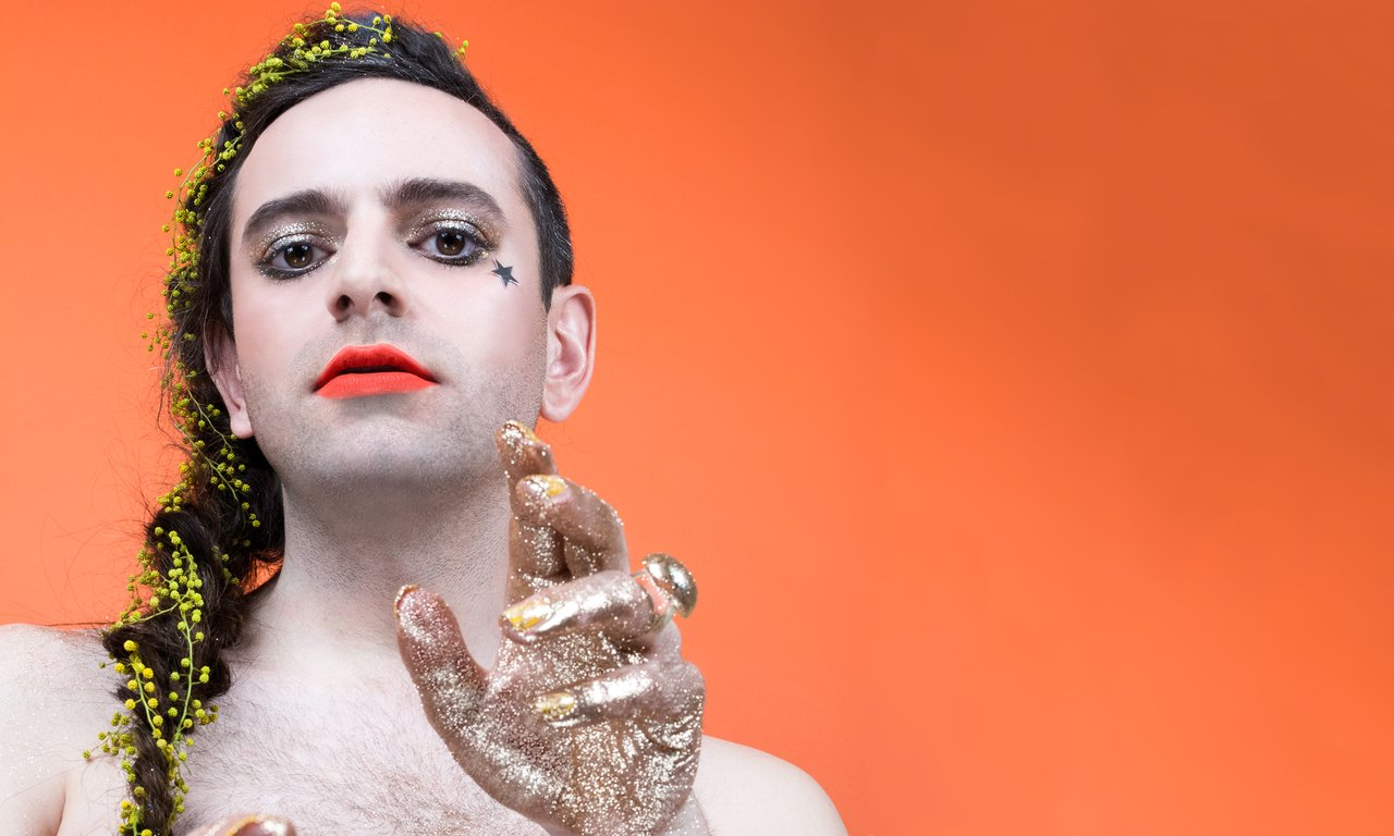 Non-Binary Aktivist, Güzellik Kampanyasının Yeni Yüzü Oldu