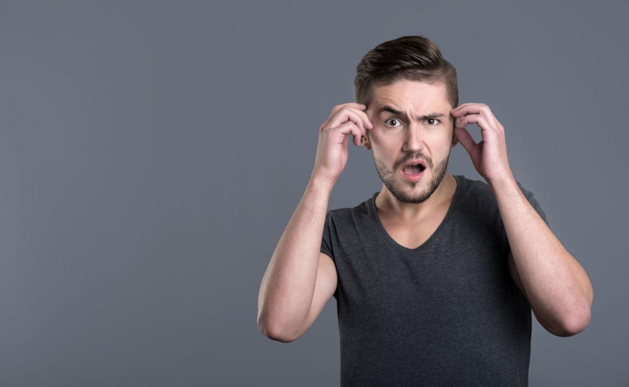 Eşcinsel Erkekler Ayrımcılık ve Cinsiyet Basmakalıplarından Kaçınmak İçin Ses Tonlarını Değiştiriyor