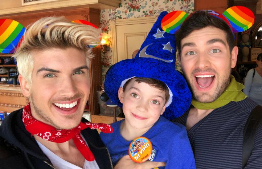 Disney, LGBT Topluluğunu Desteklemek İçin Onur Kulakları Çıkardı!