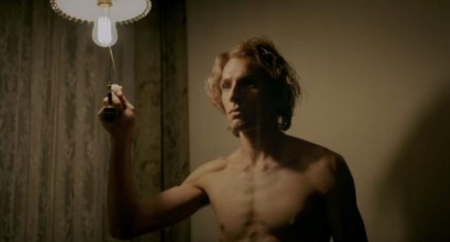 İzleyin: Yeni Oscar Wilde Filmi Harika Görünüyor