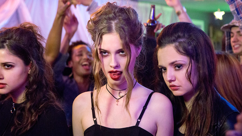En Sevilen Lezbiyen Vampir Filminin Devamı Gelecek Mi?