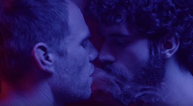 İzleyin: Gus Kenworthy'nin Erkek Arkadaşı Matt Wilkas, Porno Yıldızı ile Bir Videoda Oynadı