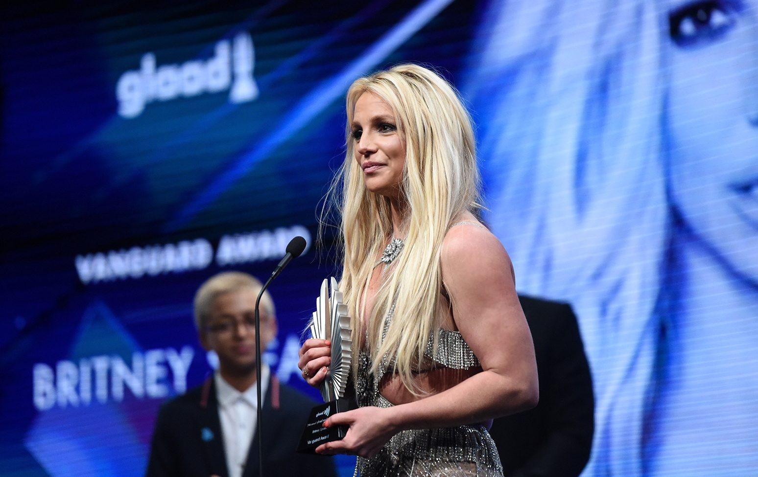 Britney Spears, LGBT Hayranlarına Koşulsuz Sevgileri İçin Teşekkür Etti