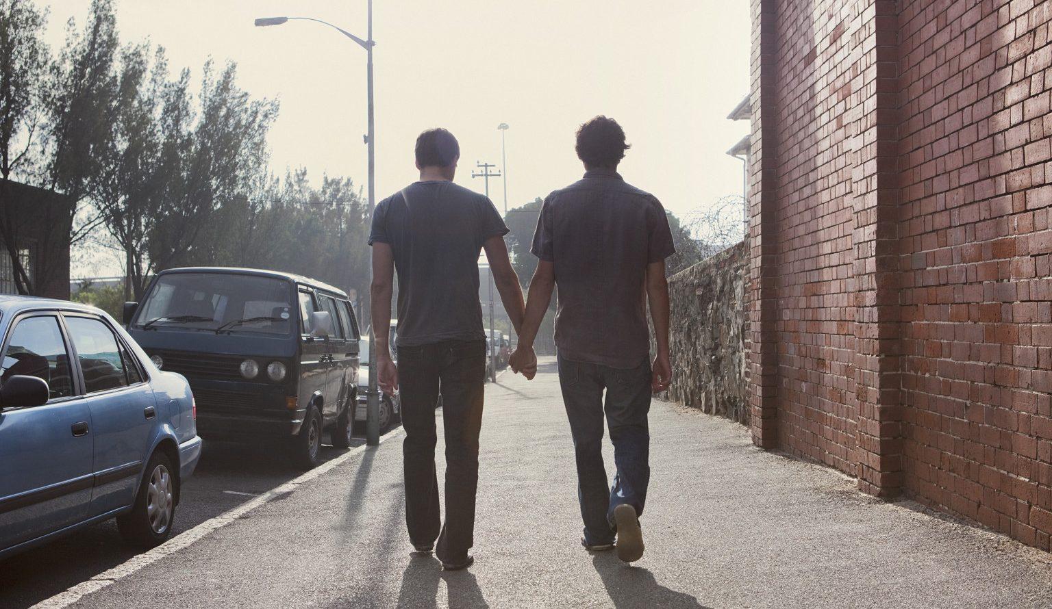 İzleyin: Yeni Bir Kısa Film, LGBT Çiftlerin Çektikleri Zorlukları Anlatıyor