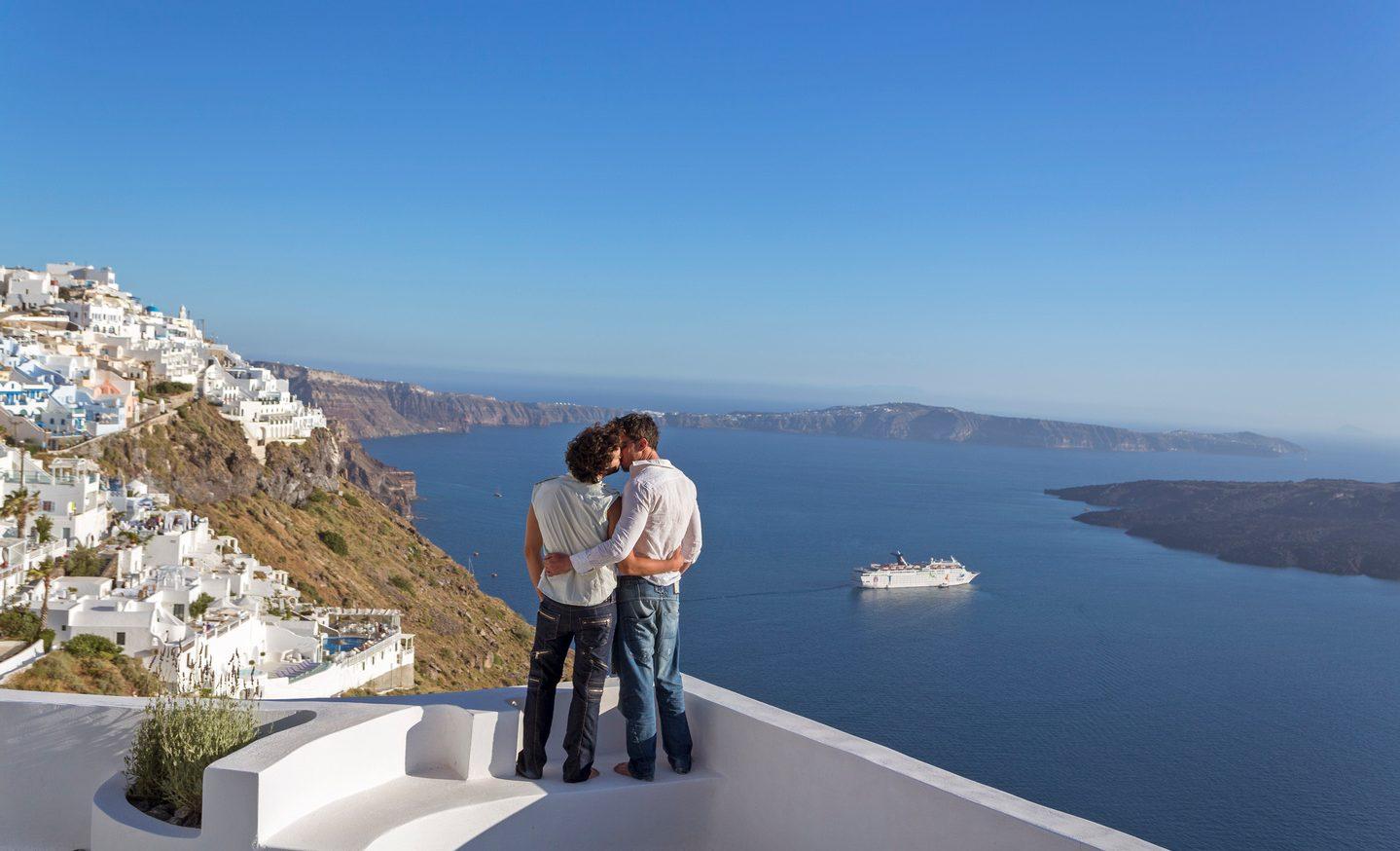 Yunanistan'ın En Romantik LGBT Şehri: Santorini