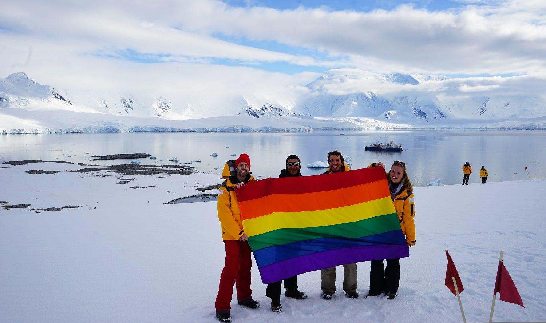 LGBT Bayrağı Güney Kutbu'nda Dalgalandı!