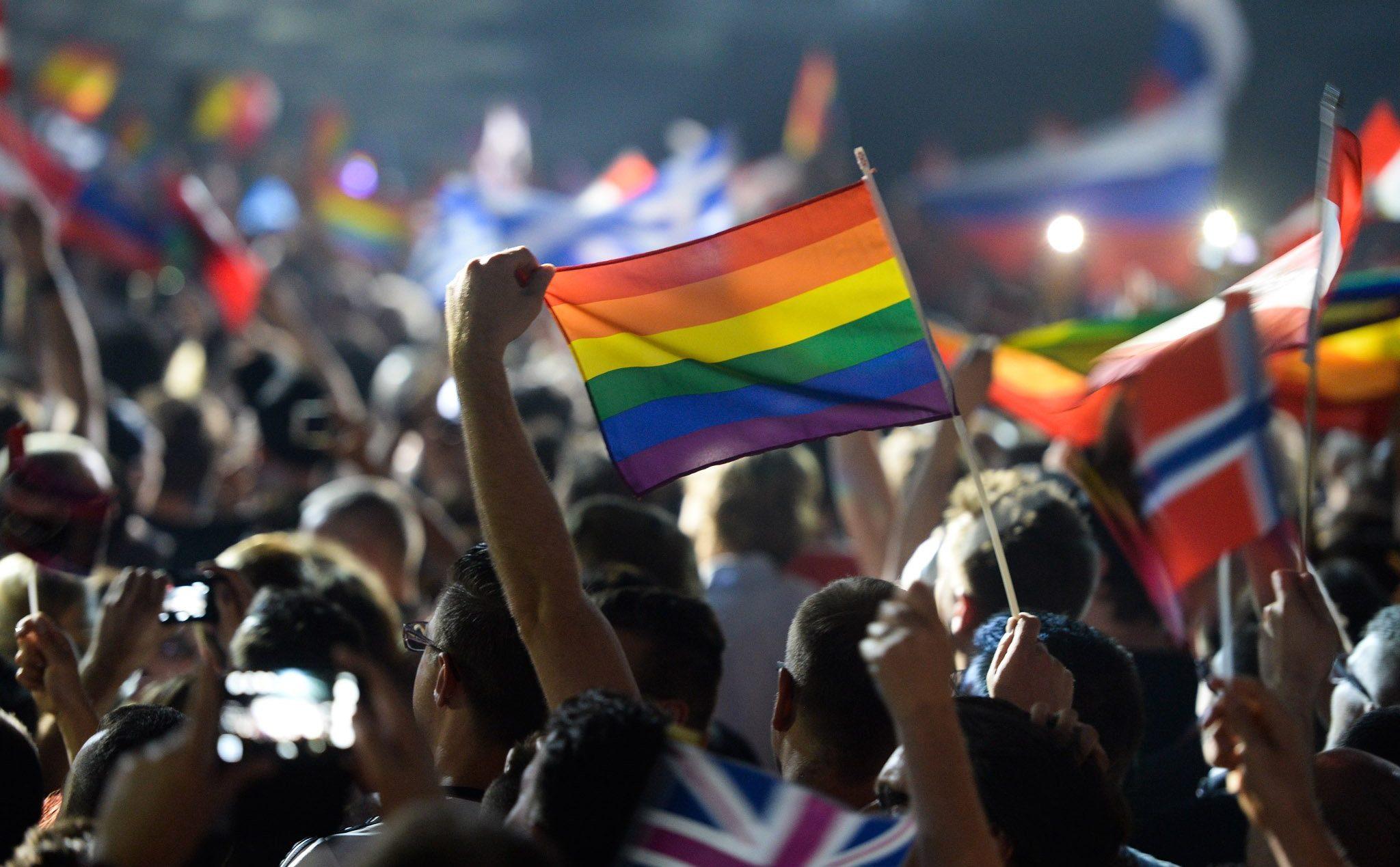 Yeni Bir Araştırmaya Göre, Eurovision İzlemek Sizi Daha Mutlu Yapabilir!