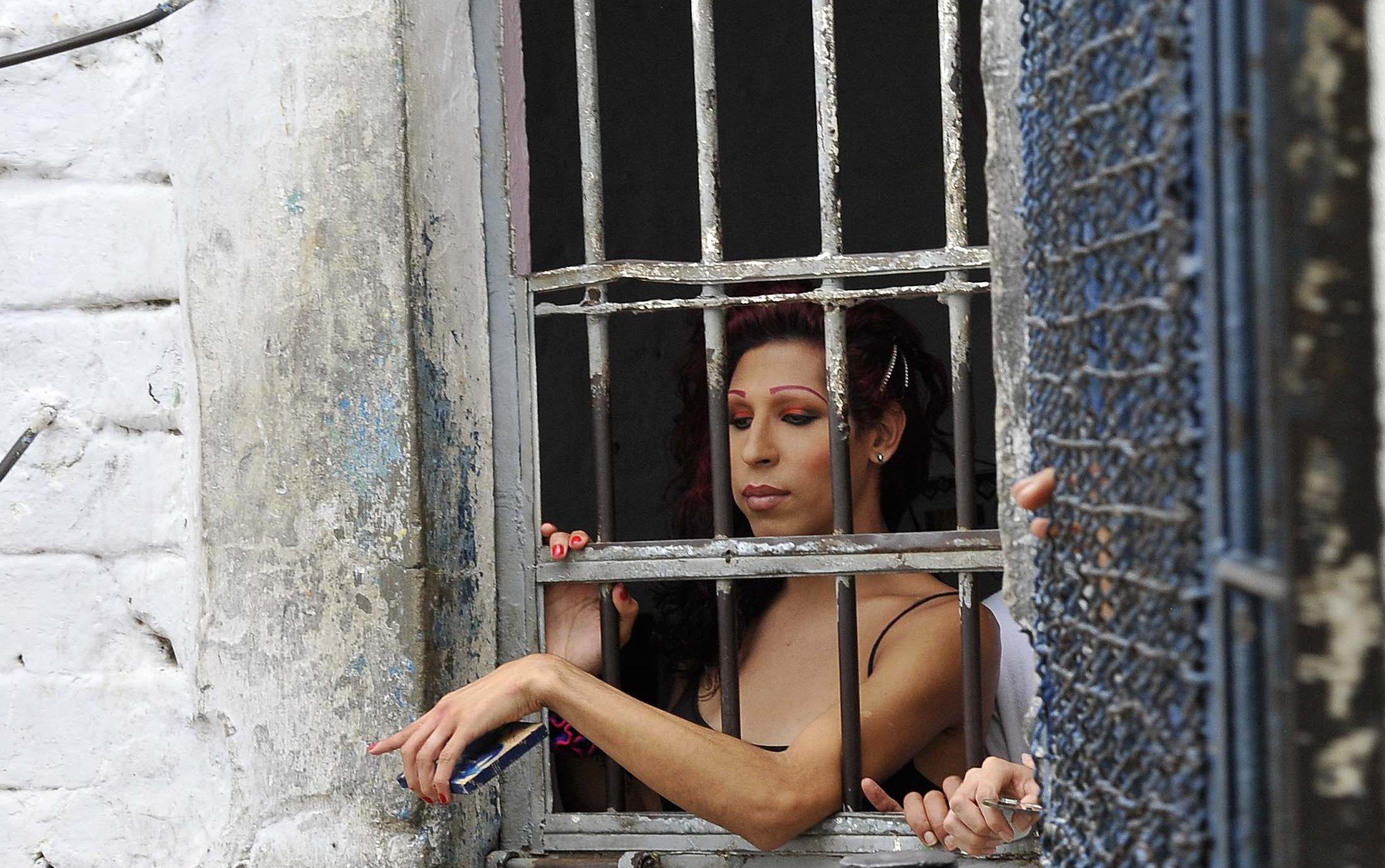 Donald Trump, Trans Mahkumları Hapishanelerde Koruyan Yasaları Kaldırdı!