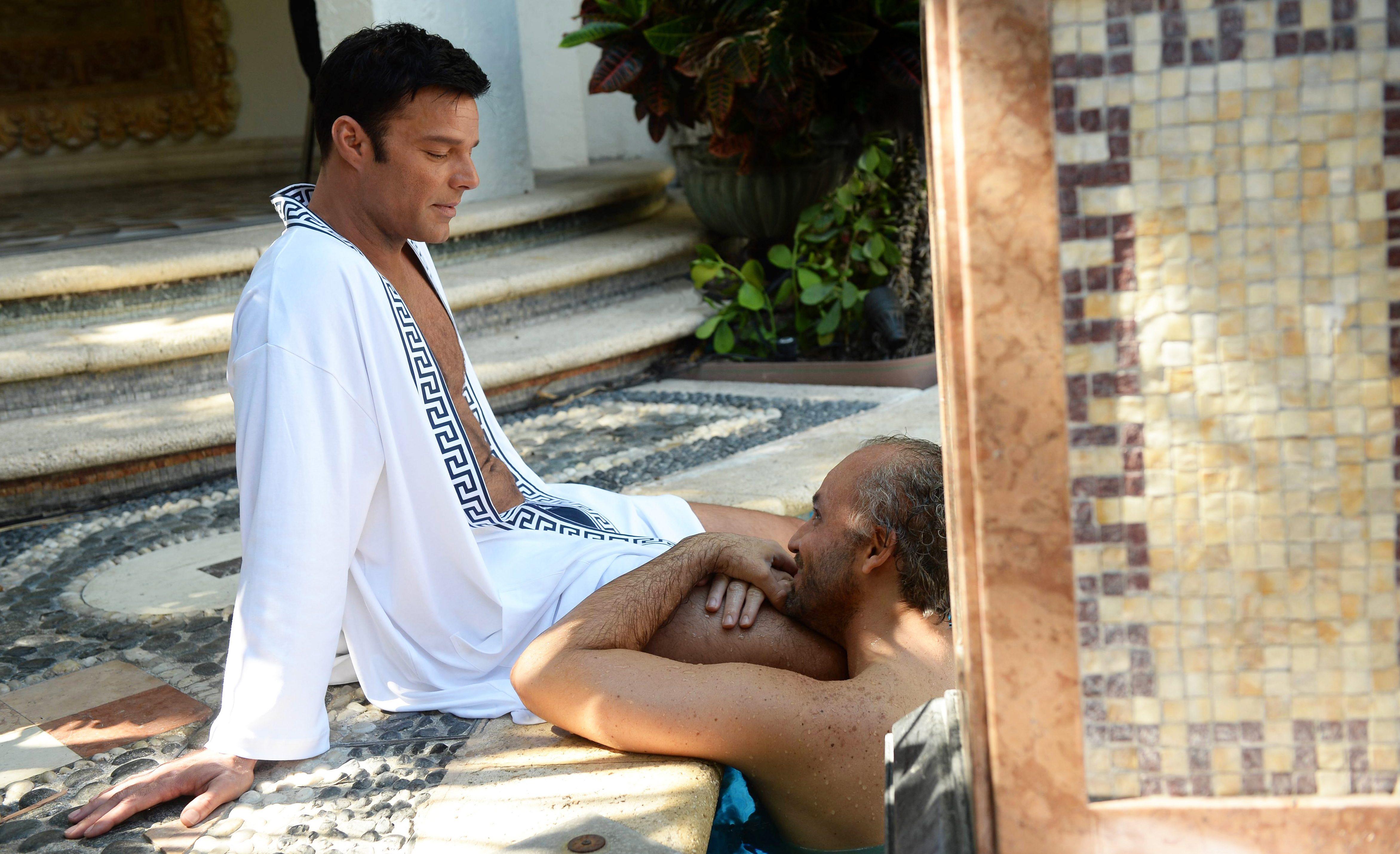 Ricky Martin, Gianni Versace Dizisindeki Seks Sahnelerinde Heyecanlandığını Söyledi