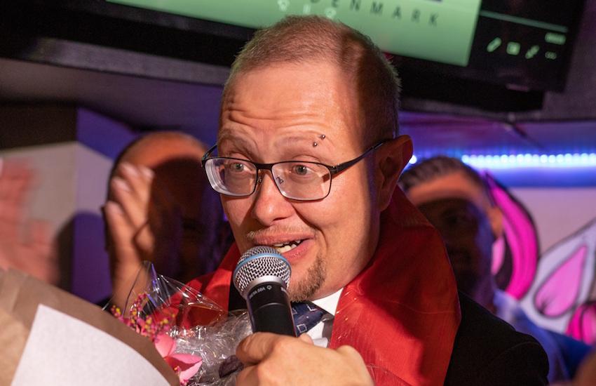 Mr Gay Danimarka'yı Kazanan İlk Trans Erkek Tarihe Geçti!