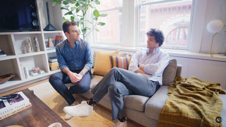 İzleyin: Zachary Quinto ve Sevgilisi, New York'taki Muhteşem Apartman Dairelerinin Kapısını Açtılar