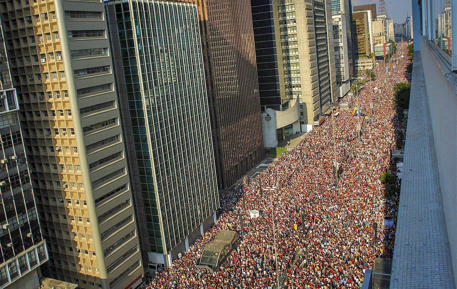 Dünyanın En Büyük Onur Yürüyüşü Sao Paulo'da Gerçekleşti! Tam 3 Milyon Kişi!