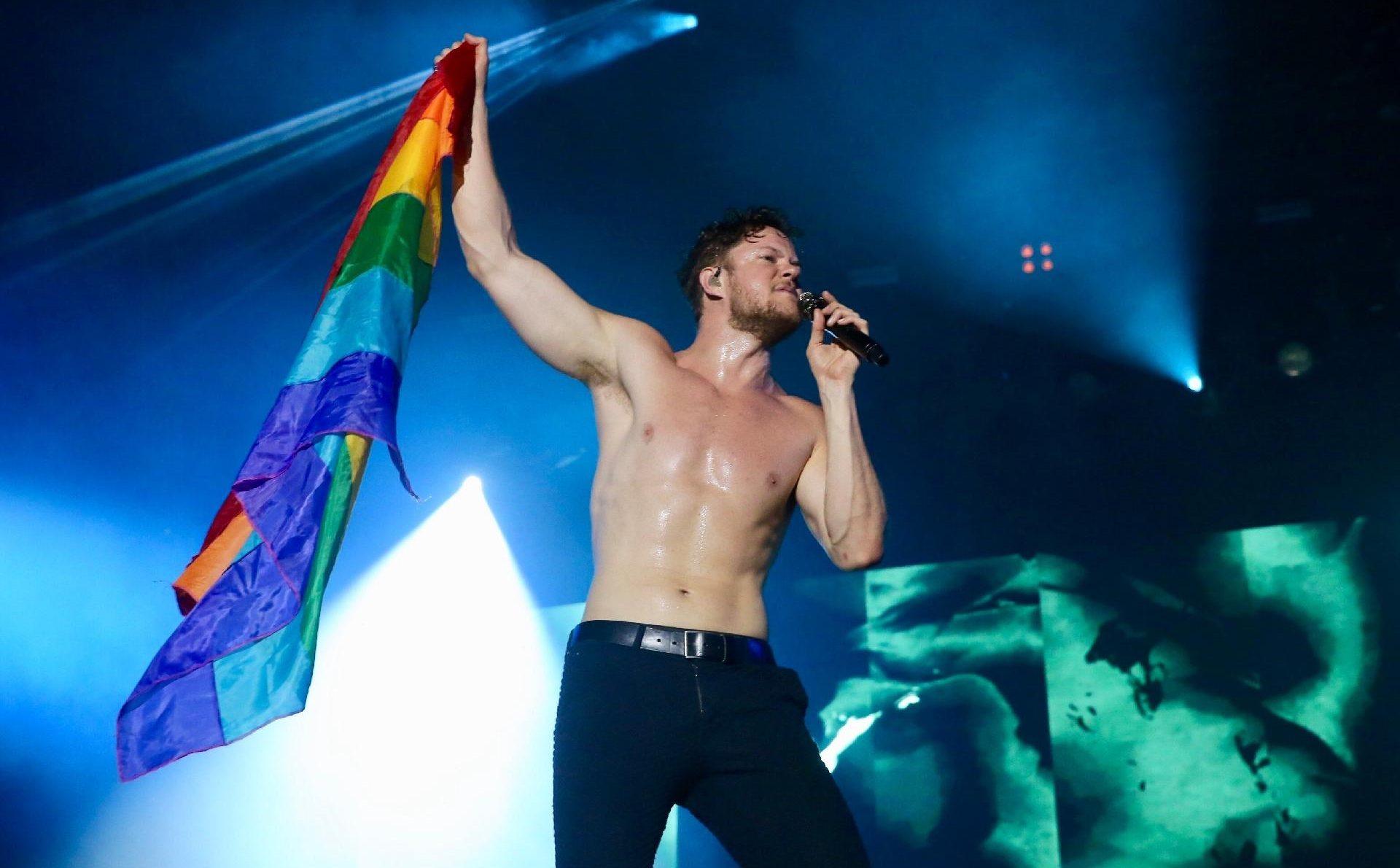 İzleyin: Imagine Dragons Vokali Yıkıcı Bir Olay Sayesinde LGBT'ye Yakınlaşmış