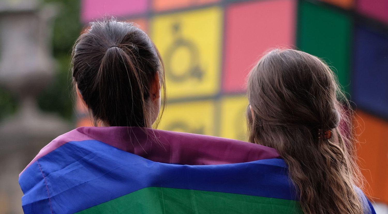 Araştırmalara Göre, Daha Çok LGBT Genç Açılıyor