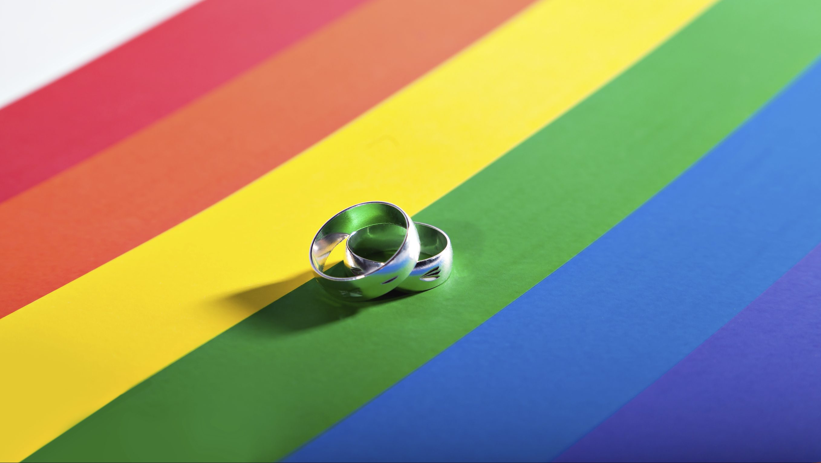 Karar Verildi! Eşcinsel Çiftler Tüm AB Ülkelerinde Oturma İznine Sahip Olacak!
