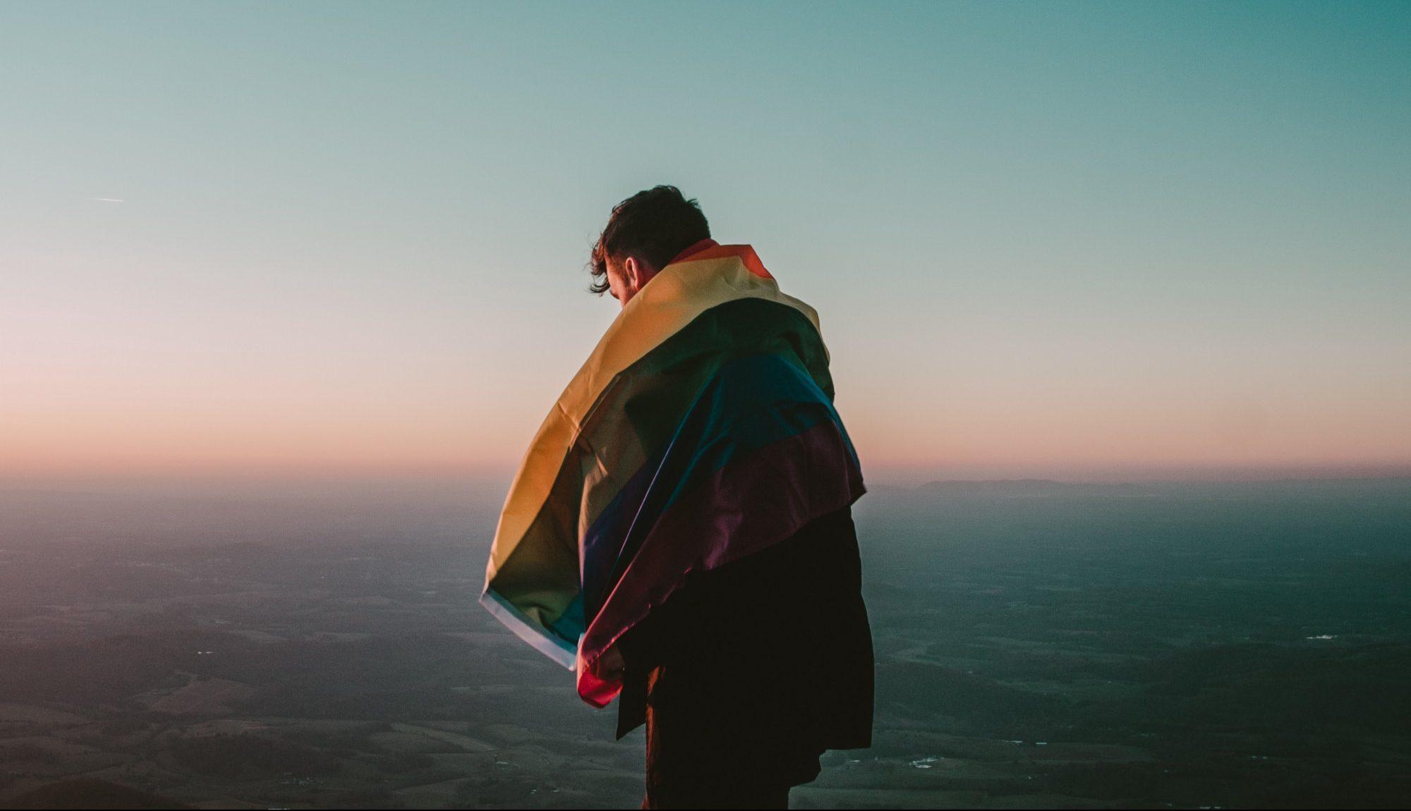 Yeni Bir Araştırmaya Göre İnsanların Çoğunluğu Homofobik İstismara Karşı