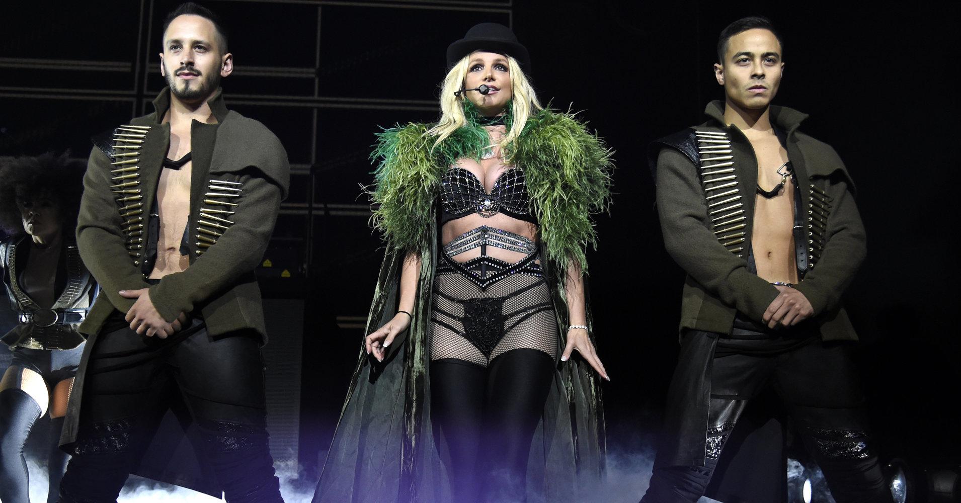 İzleyin: Britney Spears Cinsiyetsiz Parfümünü Tanıttı: Prerogative
