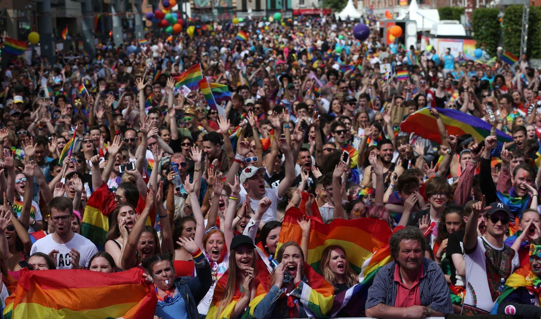 Dublin Rekor Kırdı! Onur Yürüyüşüne 60,000 Kişi Katıldı!
