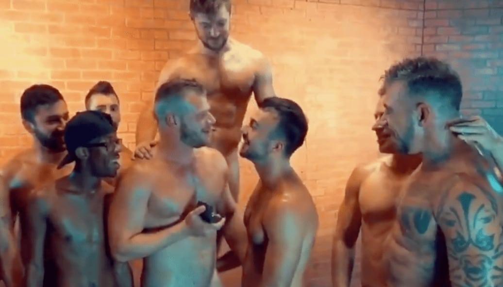 Grup Seks Sahnesinde Beraber Çalışan Gay Porno Yıldızları Nişanlandı