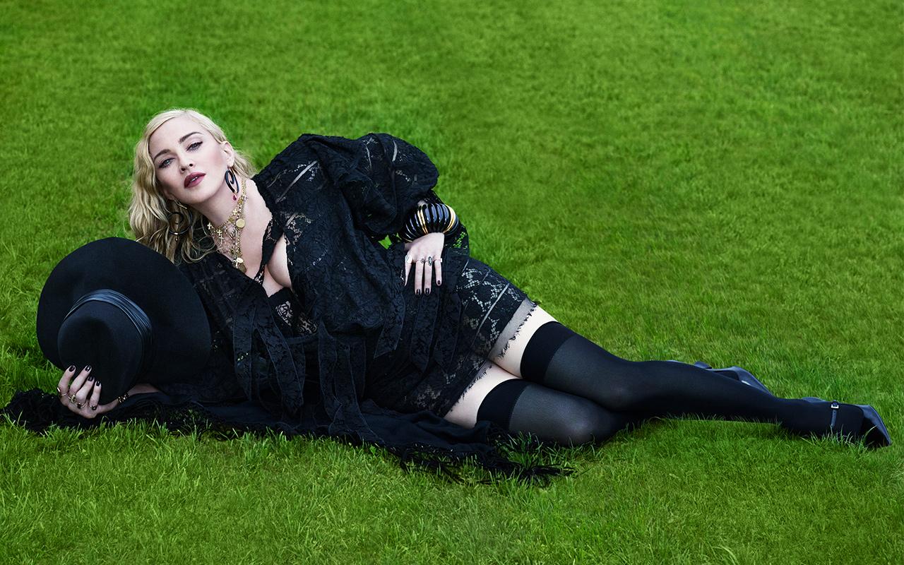 Madonna Vogue Italia Kapağına Damgasını Vurdu!