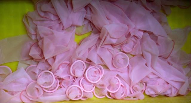 ABD'de İlginç Uyarı: Lütfen Prezervatiflerinizi Yıkayıp Tekrar Kullanmayın!