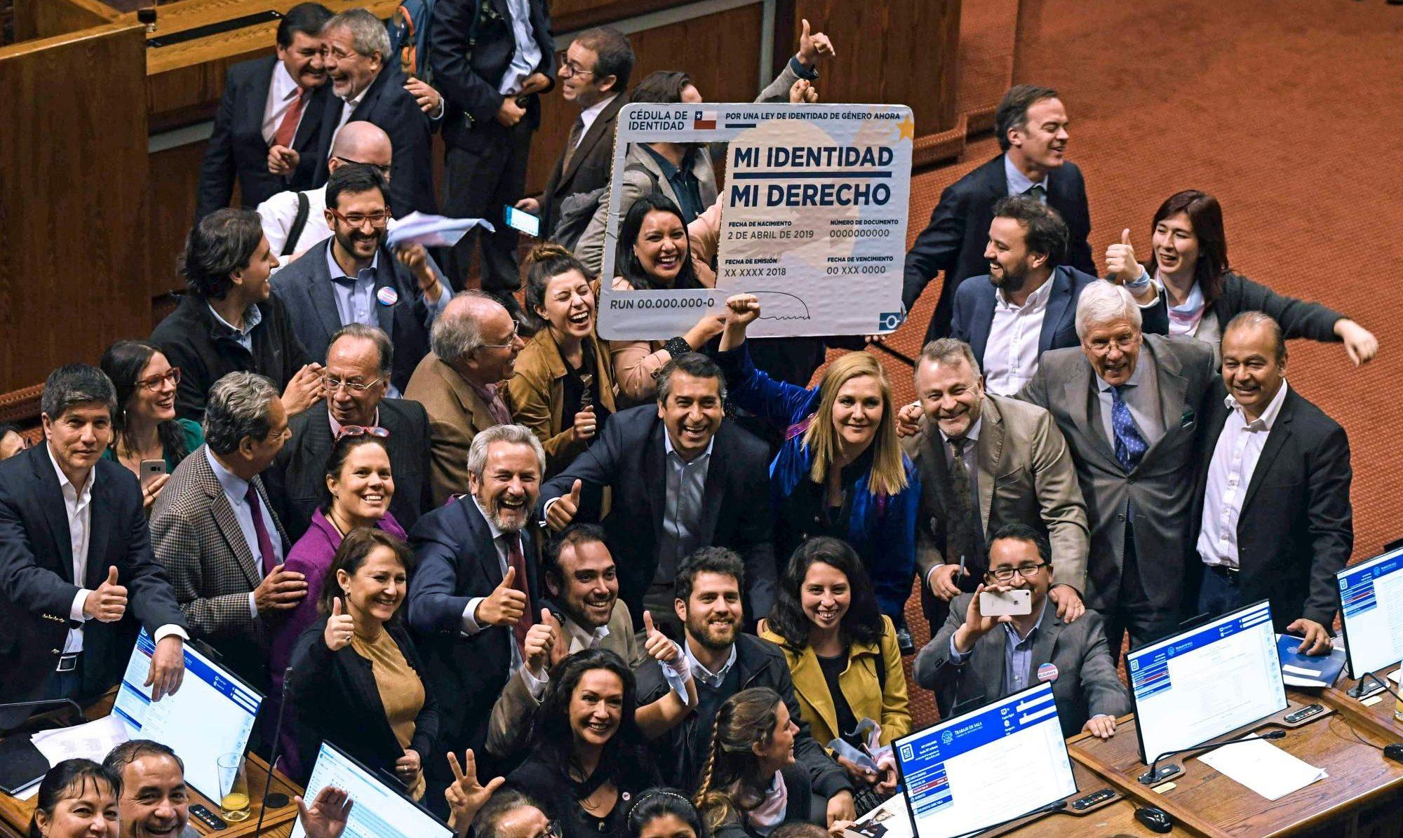 Şili'nin Yeni Yasası Transseksüeller İçin Büyük Bir Zafer!