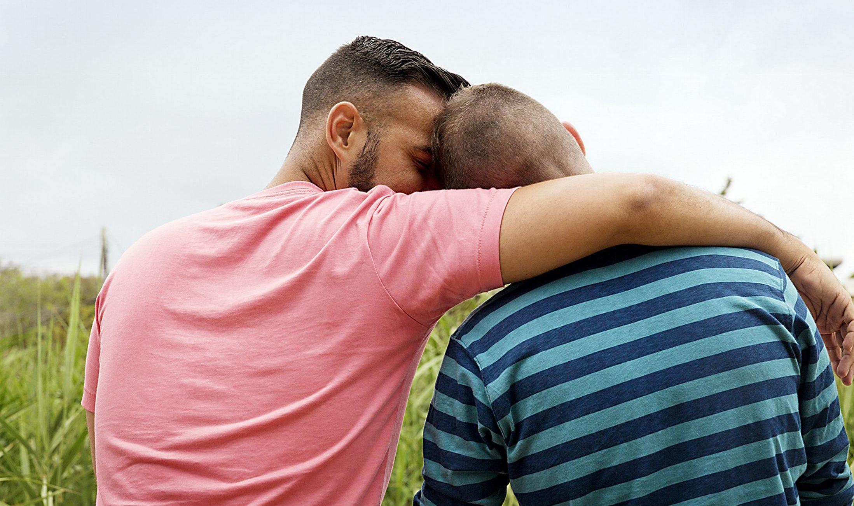 Heteroseksüel Kardeşten Eşcinsel Ağabeyine Duygusal Mektup