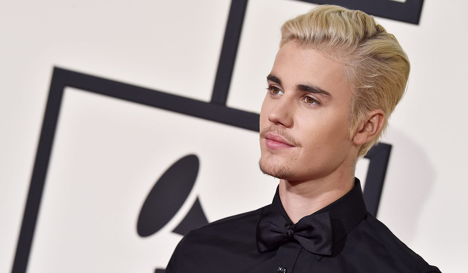 LOS ANGELES, CA – FEBRUARY 15:  Singer Justin Bieber arrives at The 58th GRAMMY Awards at Staples Center on February 15, 2016 in Los Angeles, California.  (Photo by Axelle/Bauer-Griffin/FilmMagic)