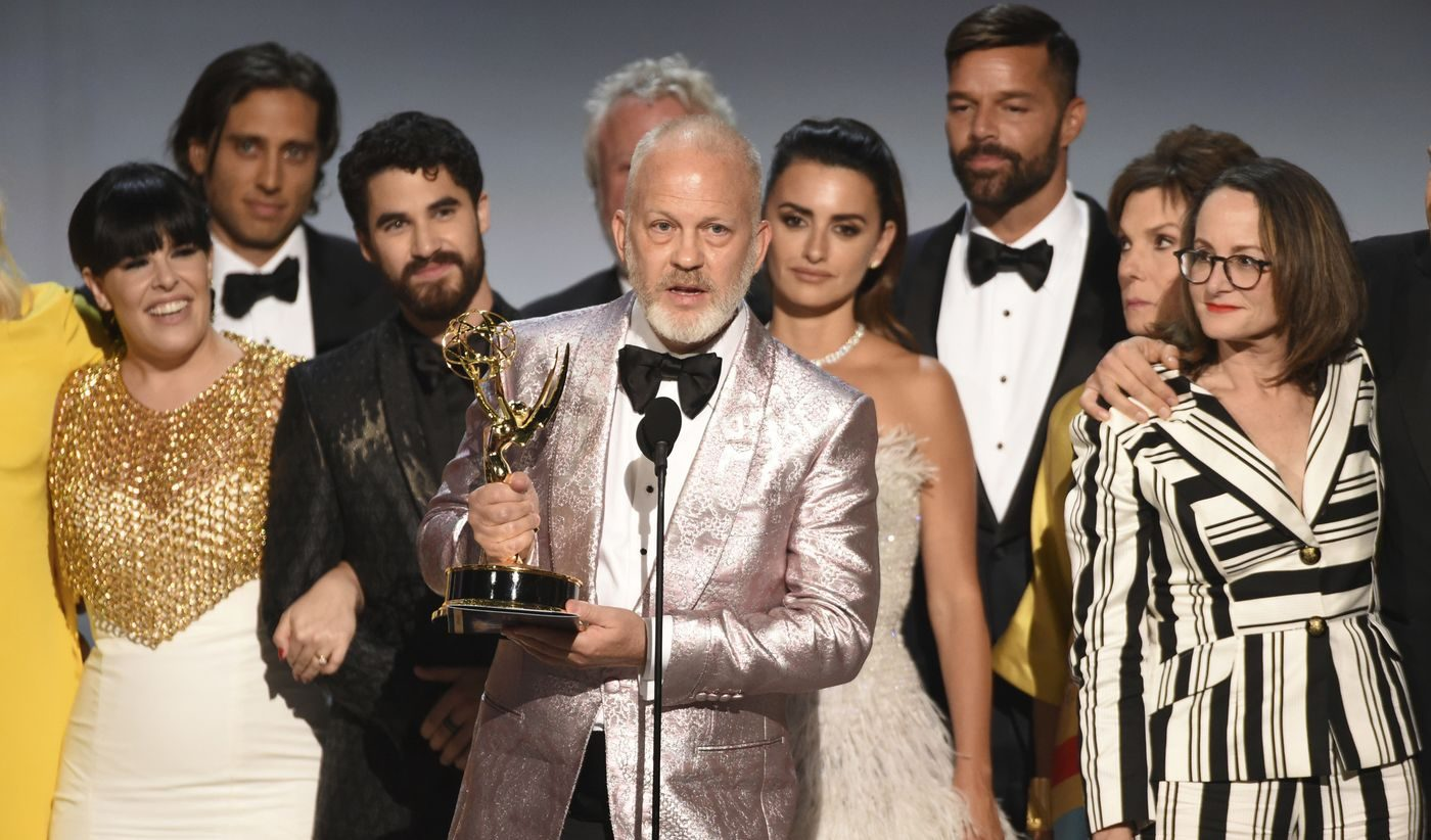 """Ryan Murphy, """"Gianni Versace"""" Ödülünü Nefret Suçunun Hedefi Olmuş LGBT'lere Adadı"""