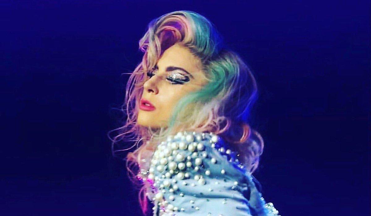 Lady Gaga'dan Transfobik ve Homofobik Trump'a: Cehalet ile Besleniyor!