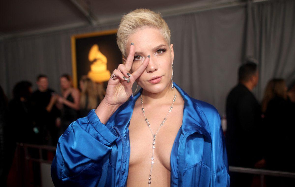 LGBT'lerin Hışmına Uğrayan Şarkıcı Halsey'den Biseksüellere Destek