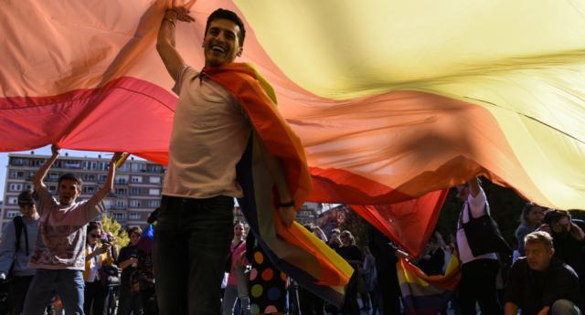 Kosova Onur Yürüyüşü, Yasak Çağrılarına Rağmen Binlerce Kişinin Katılımıyla Gerçekleşti