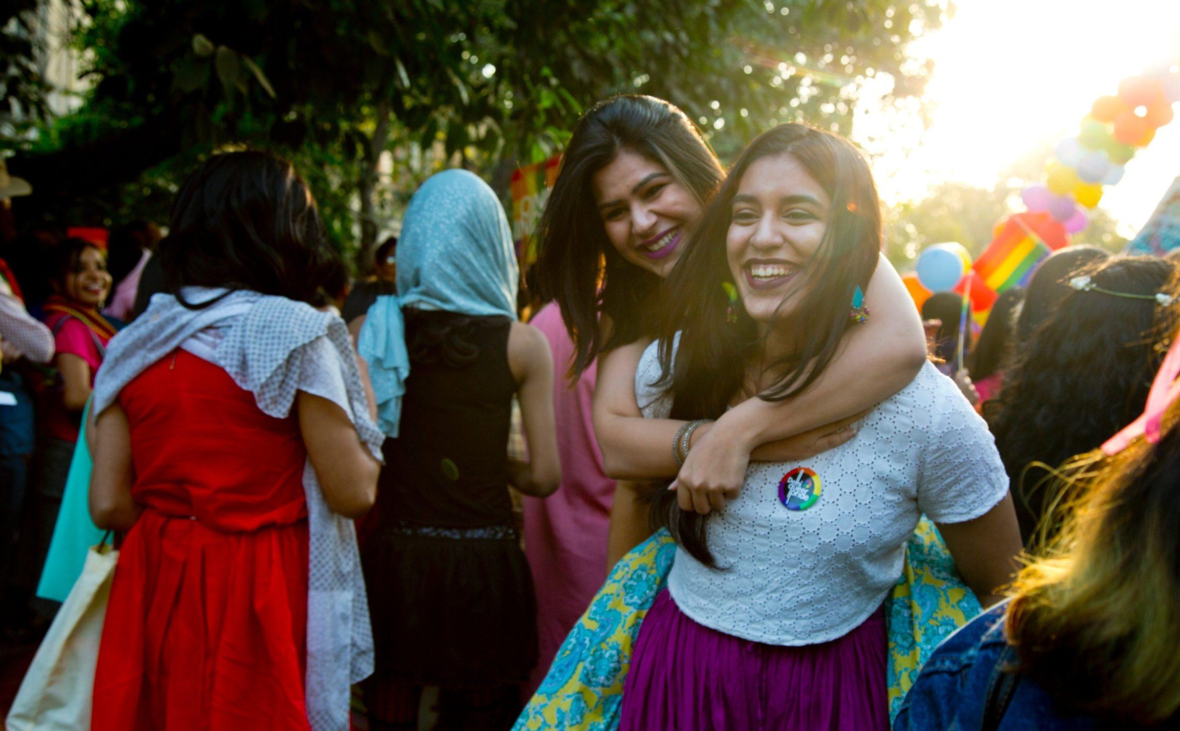 Eşcinselliğin Artık Suç Sayılmadığı Hindistan'da İlk 'Özgür' Onur Yürüyüşü Muhteşem Geçti