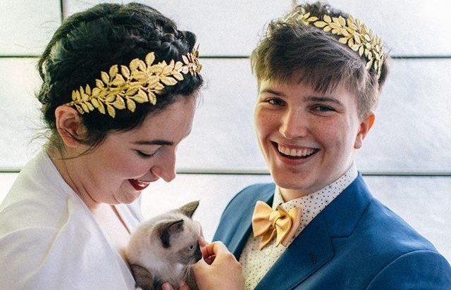 Dünyanın En Tatlı Düğünü! Lezbiyen Gelinler Kokteyl Yerine Kedi Partisi Düzenledi