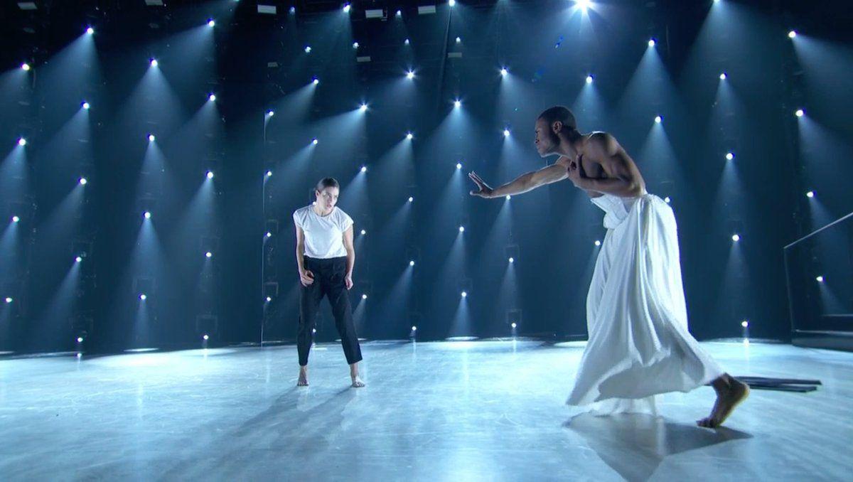 İzleyin: Yılın En İyi Dans Performansı!