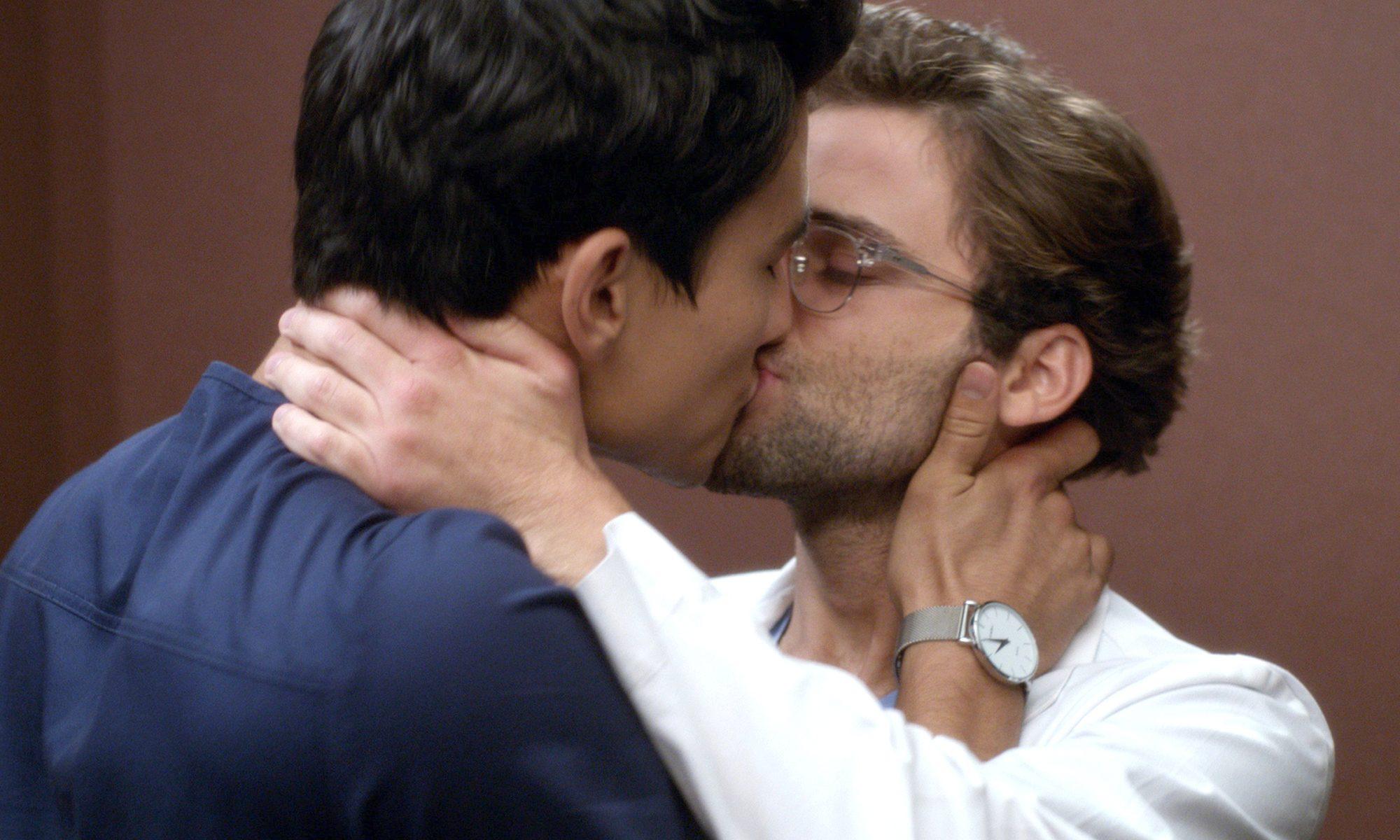 Grey's Anatomy Yıldızı Gay Olduğunu Açıkladı