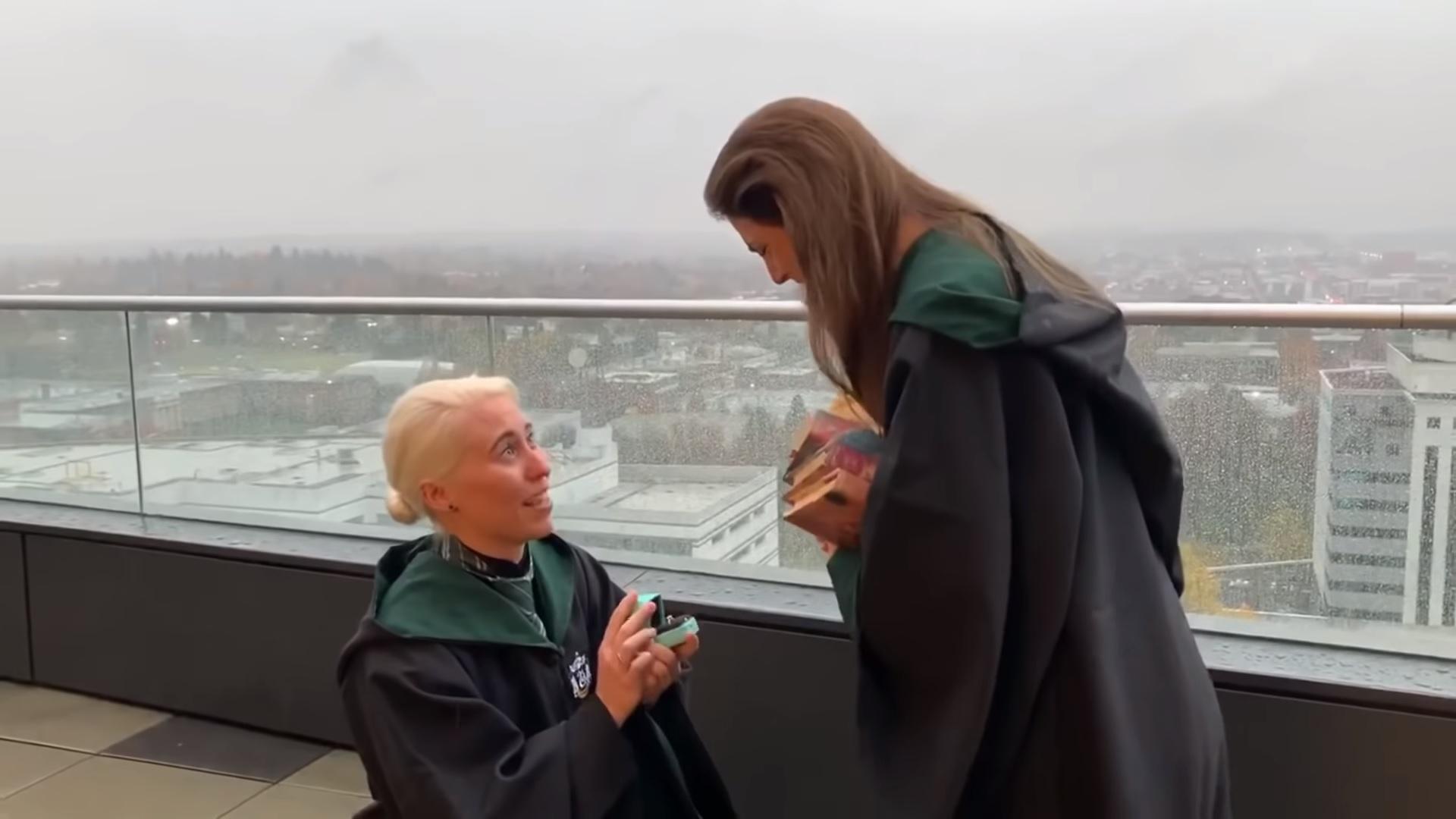 İzleyin: Harry Potter Temalı Evlenme Teklifi