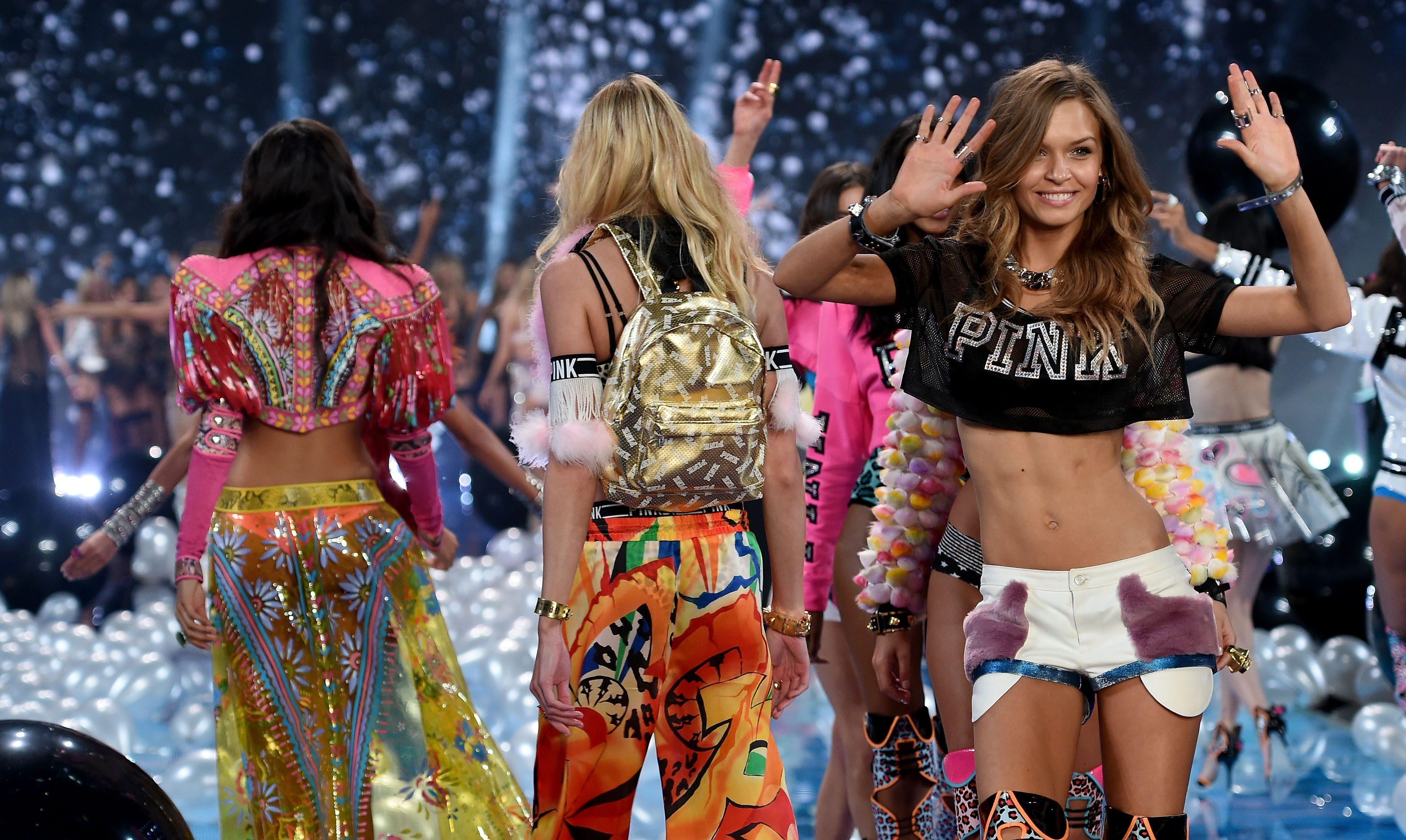 Bu Yılki Victoria's Secret, Tüm Zamanların En Gay Defilesi Olmaya Aday!