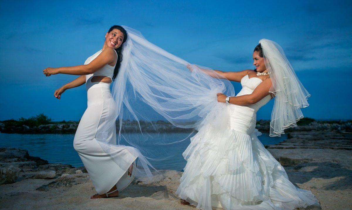 Sonunda Yine Aşk Kazandı! Bermuda Eşcinsel Evliliği İkinci Kez Yasallaştırdı!