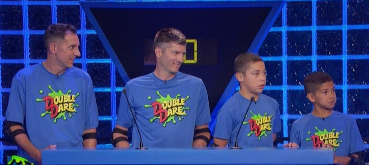 İzleyin: Bir İlk! Nickelodeon Yarışmasında İki Babalı Aile