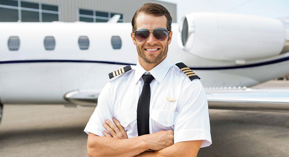 Yolcusuna Uçuş Anında Grindr'dan Mesaj Atan Pilot İnternette Viral Oldu!