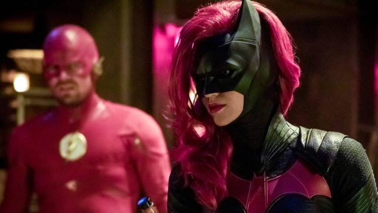 İzleyin: Lezbiyen Süper Kahraman Batwoman'dan İlk Görüntüler!