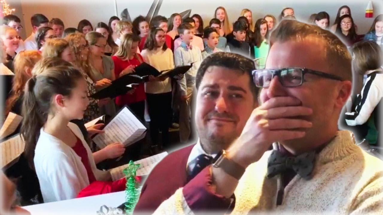 İzleyin: Koro Şefine Öğrencilerinden Gelen Düğün Provası Sürprizi Sizi Ağlatabilir