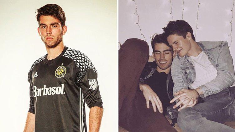 Eski Futbolcu Paylaştığı Fotoğraf İle Eşcinsel Olduğunu Açıkladı