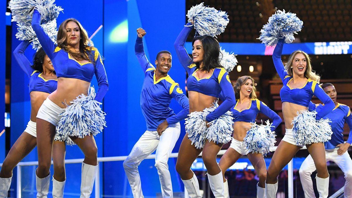 Erkek Amigolar Super Bowl'u Salladı!